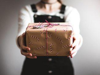 Was schenkt man jemandem, der schon alles hat?