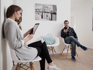 Digitaler Lesezirkel im Wartezimmer